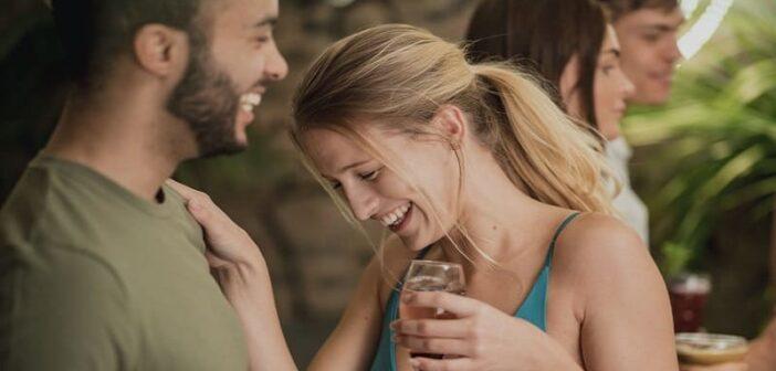 flirting or friendly 702x336 1